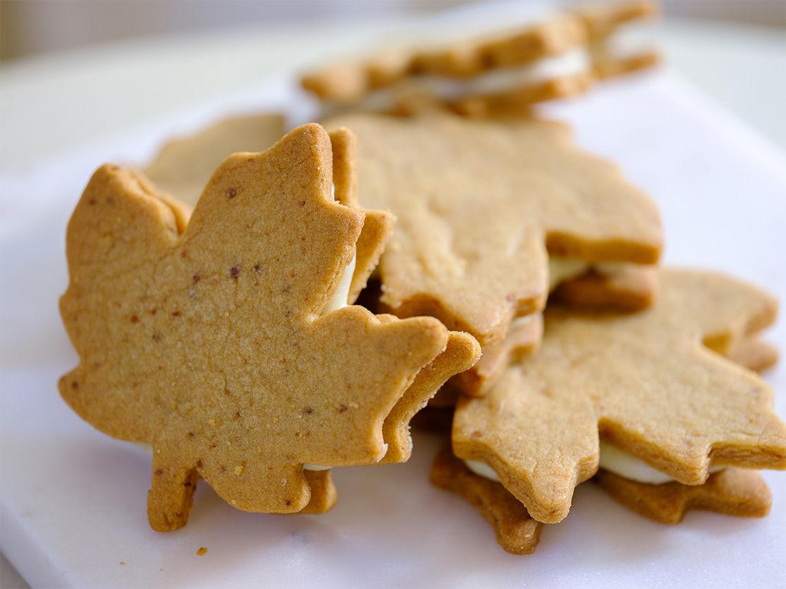 Biscuits-sandwiches végétaliens à l'érable